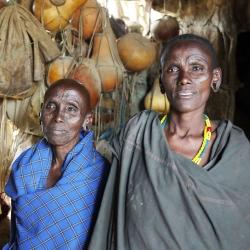 17- Dangaida & mother